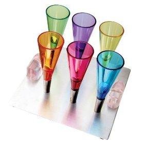 Vasos de chupito magnéticos que desafían la gravedad