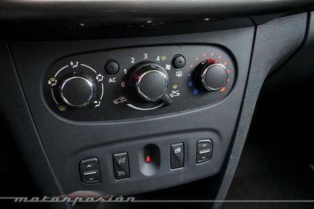 Dacia Sandero mandos climatización