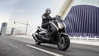 Yamaha X-MAX 400 MOMODESIGN, decoración exclusiva para el Scooter deportivo