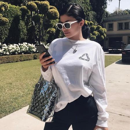 El armario de bolsos de Kylie Jenner podría ser el paraíso terrenal para muchas fashion victims