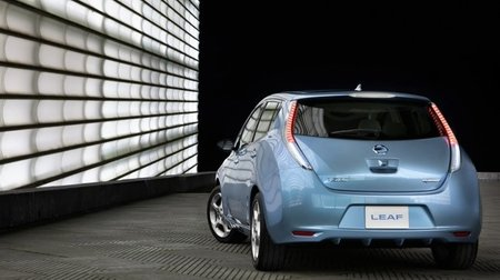 Nissan Leaf Trasera