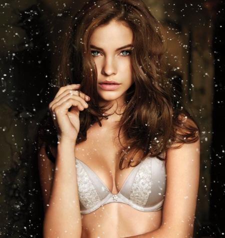 La versión del 'Let it Snow' más hot. Por gentileza (de nuevo) de Victoria's Secret