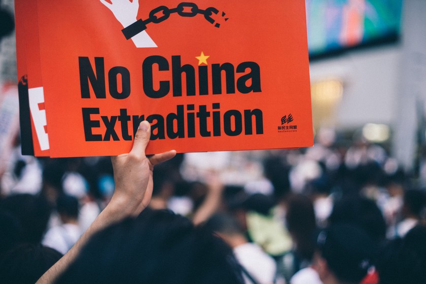 Facebook y Twitter bloquean cientos de cuentas contrarias a las protestas de Hong Kong