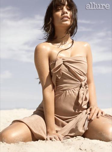 Vanessa Hudgens en la portada de Allure II