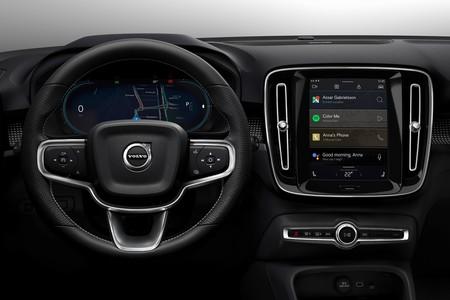 El Volvo XC40 eléctrico equipará un sistema de infoentretenimiento con Google integrado y sistema Android