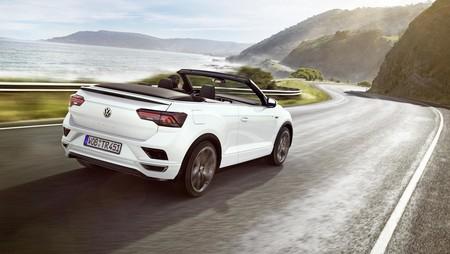 El Volkswagen T-Roc Cabrio aterriza en España: el precio de la versión descapotable del SUV parte desde los 30.865 euros