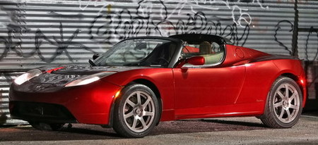 """Porsche adquiere un Tesla Roadster para """"estudiarlo"""""""