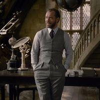 Jude Law haciendo de Albus Dumbledore se convierte en el actor mejor vestido del cine