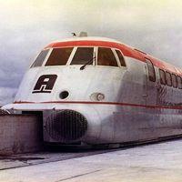 Aerotrain, el híbrido entre avión y tren que rompía récords de velocidad hace medio siglo