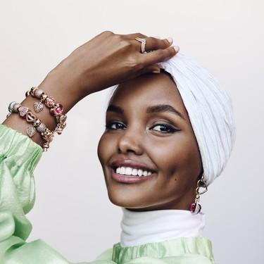 La modelo y activista Halima Aden se une a Pandora en apoyo de la iniciativa One Love de UNICEF