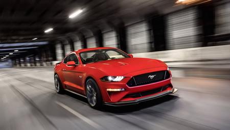 Así ha cambiado el Ford Mustang: 54 años de pony car resumidos en sólo 2 minutos