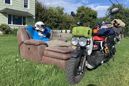 14.500 km con motos de 50 cc y en 3 meses: el récord Guinness absurdo que intentan lograr dos tipos en EE.UU.