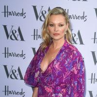 Kate Moss debería seguir el ejemplo de Kylie Minogue y sonreír un poco más