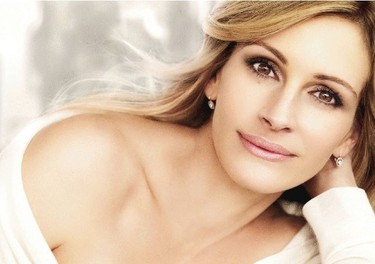 A Julia Roberts el photoshop al final le ha jugado una mala pasada...