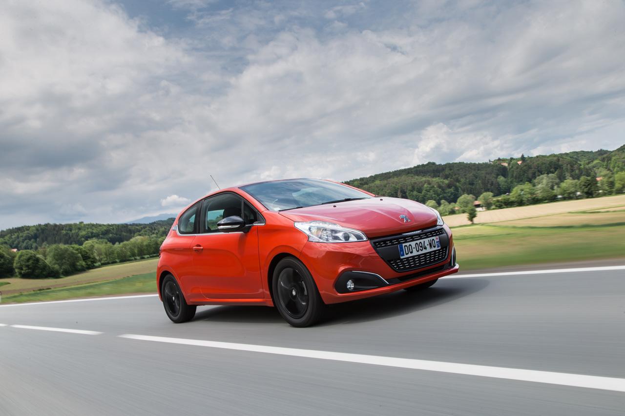 Foto de Peugeot 208 2015 (presentación) (28/34)