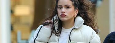 Rosalía y Selena Gomez se ponen de acuerdo: el plumas es el abrigo oficial del invierno y encaja en estilos tan distintos como los suyos