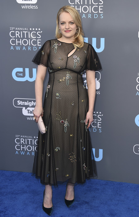 elisabeth moss critics choice awards alfombra roja