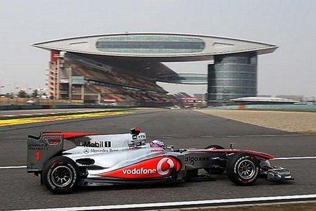 GP de China 2010: Jenson Button vuela en Shanghái y el escuadrón Mercedes sigue al frente