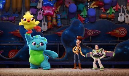 Pixar lanza un nuevo teaser de  Toy Story 4  y muestra a dos nuevos  personajes... muy irrespetuosos 594f0dfdc6d