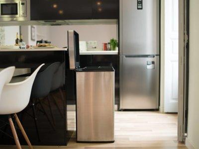 ¿Un cubo de basura inteligente? Qube te viste la cocina y te ayuda a reciclar