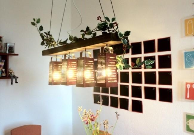 Recicladecoraci n l mparas hechas con ralladores - Lamparas de techo hechas en casa ...