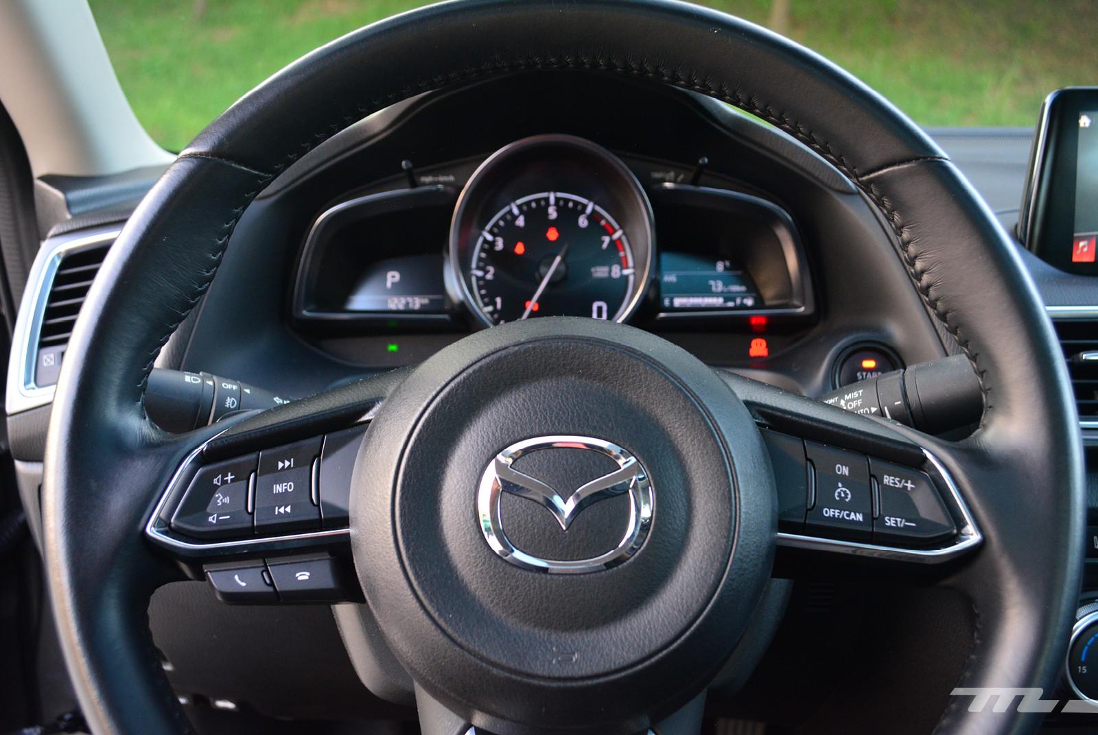 Foto de Comparativa: Mazda 3 2018 vs. KIA Forte vs. Volkswagen Jetta (28/31)