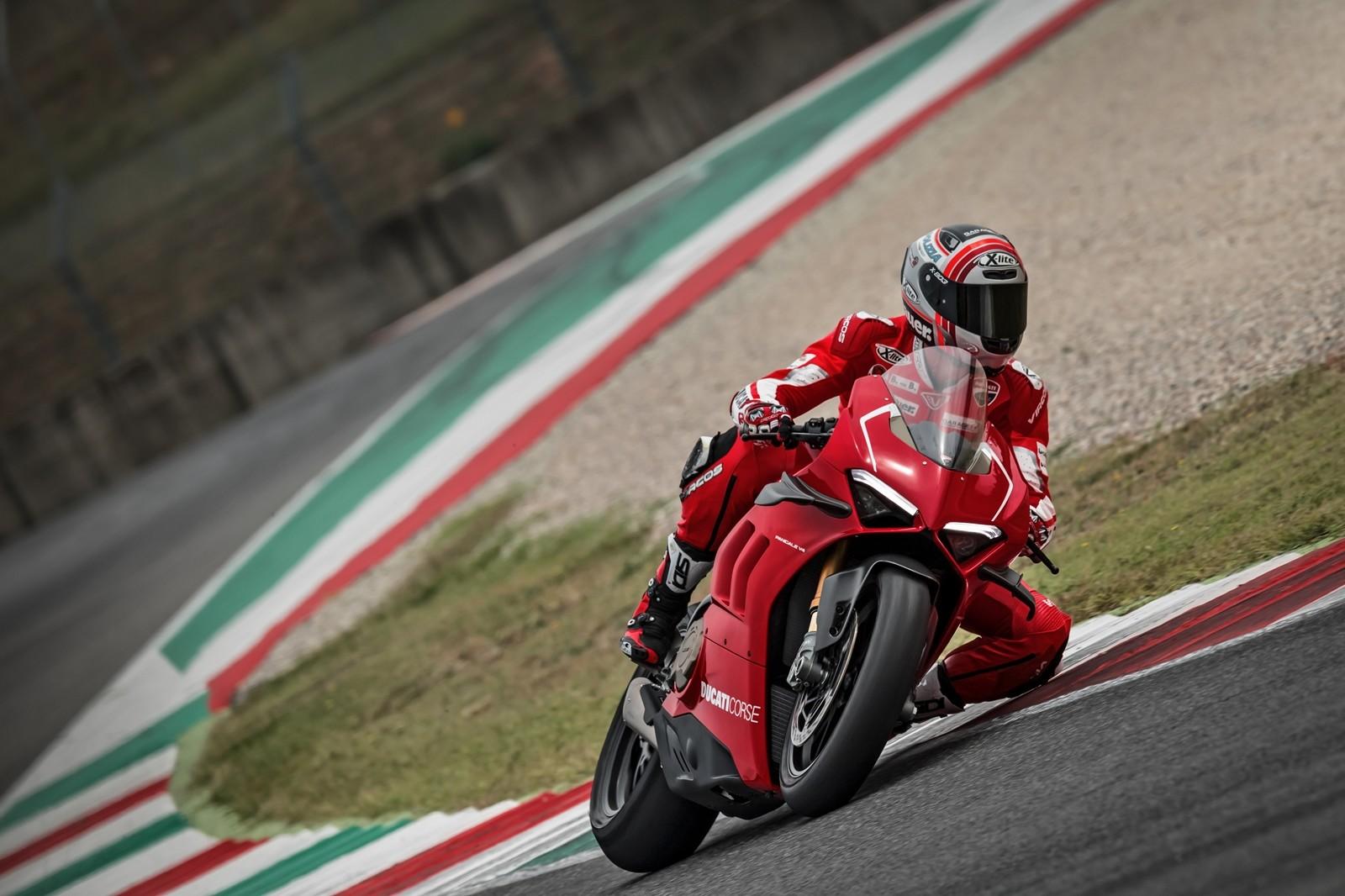 Foto de Ducati Panigale V4 R 2019 (22/87)