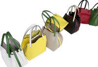 Carolina Herrera añade color a los bolsos CH Mini Matrioska, edición limitada