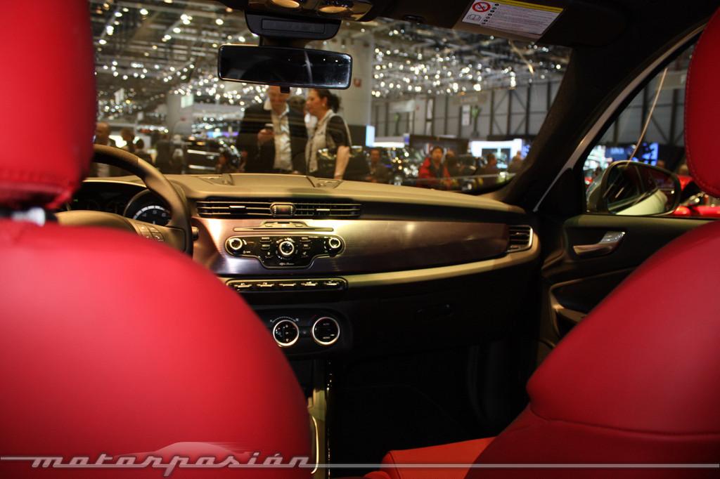 Alfa Romeo Giulietta En El Sal 243 N De Ginebra 2010 18 22