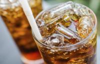 Las compañías de refrescos reducirán el contenido de azúcar de sus bebidas