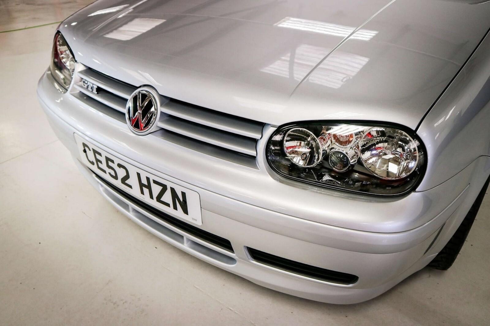 Foto de Volkswagen GTI MK4 25 aniversario a subasta (6/20)
