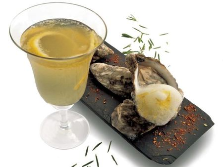 French 75 con ostras de aires mediterráneos