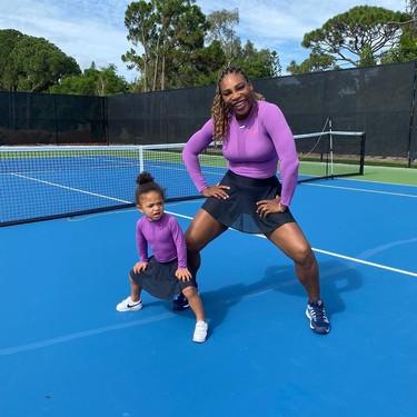 Serena Williams y su hija Alexis Olympia Ohanian lucen el mismo look con falda tenista más ideal que podríamos imaginar