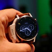 Ya puedes ponerle las watchfaces del Moto 360 de segunda generación al modelo original