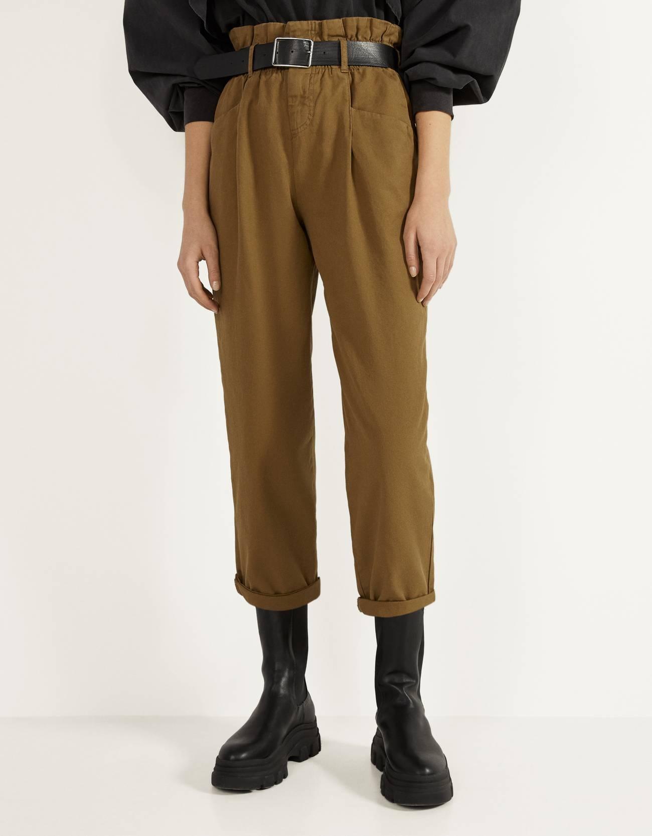 Pantalón paperbag con cinturón