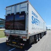 """El  remolque """"transparente"""" de Samsung da sus primeros paseos por Argentina"""