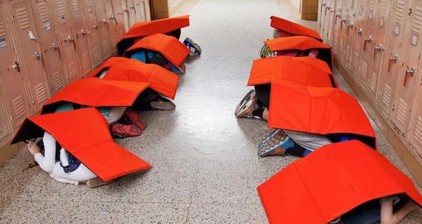 Estas mantas están pensadas para proteger de desastres naturales e incluso balas