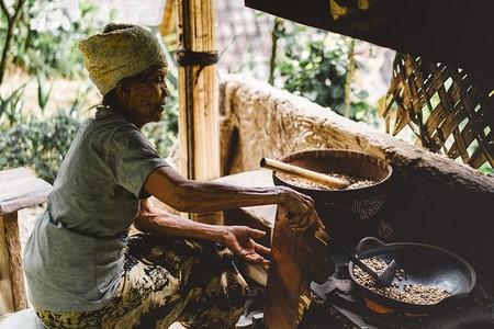 Mujer Cocina3