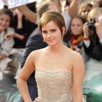 Los looks de Emma Watson en la premiere de Harry Potter: simplemente espectacular
