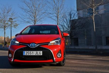 Toyota Yaris hybrid 2016: probamos el interior y exterior del coche experto en ciudades