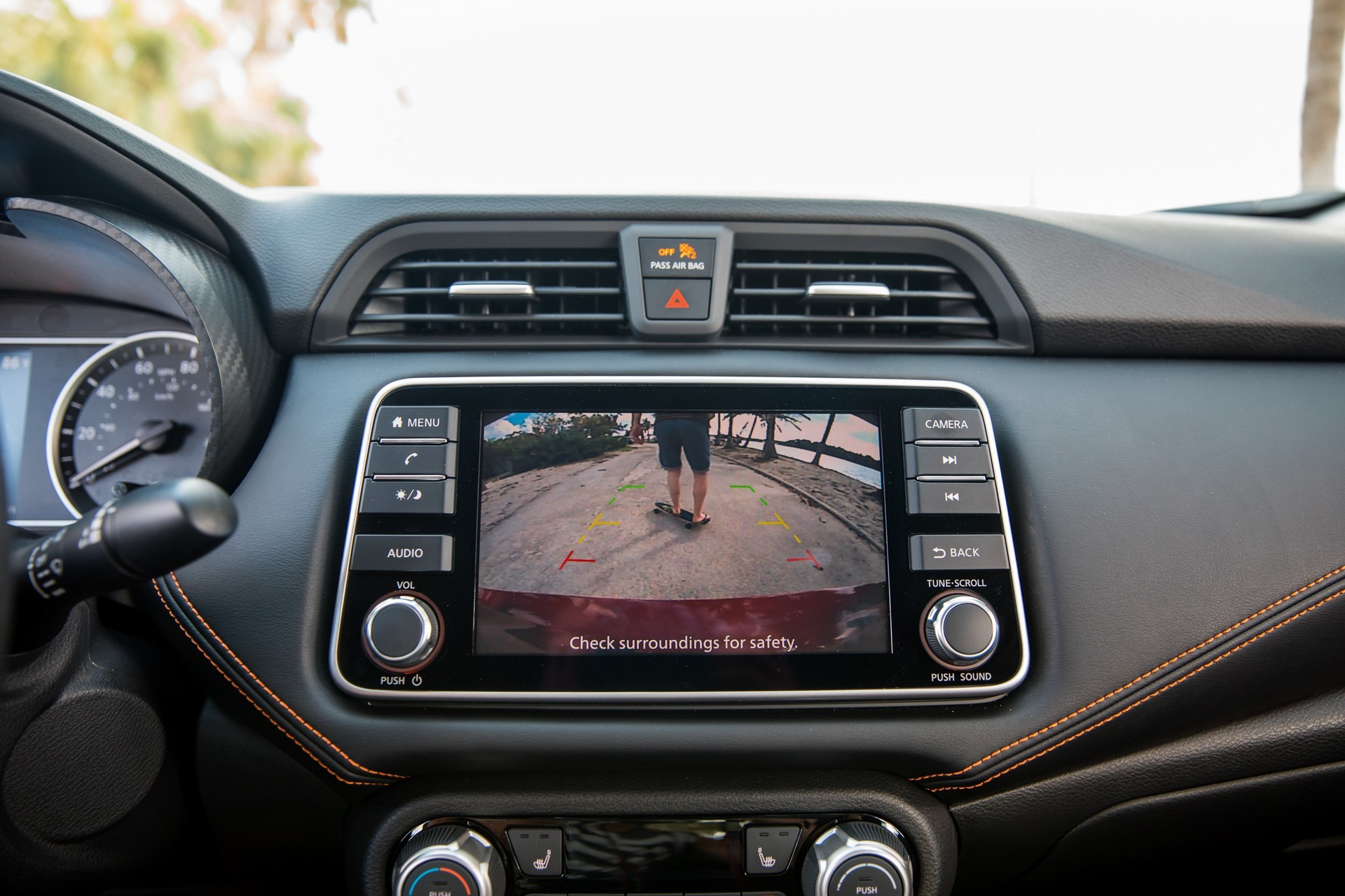 Foto de Nissan Versa 2020 (36/37)