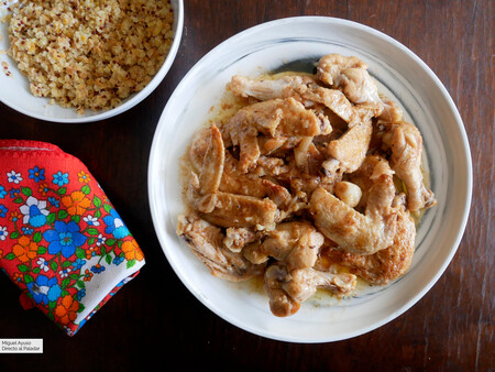 Alitas de pollo al ajillo: receta para mancharse los dedos sin remordimientos