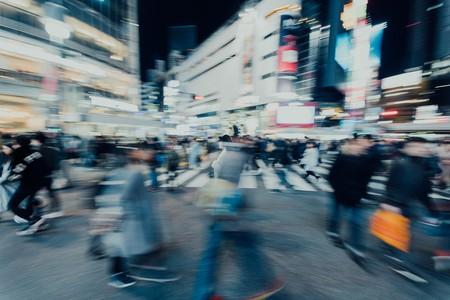 Peatón zombie y coches silenciosos, ¿qué será de la seguridad urbana?