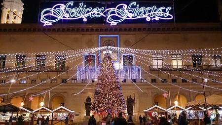 Mercado De Comercio Y Artesania De Navidad Zaragoza
