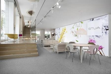 Si quieres conocer mejor el mobiliario de Stua, puedes verlo en la tienda de Pilma en Barcelona