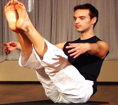 Simples ejercicios de yoga para fortalecer el abdomen
