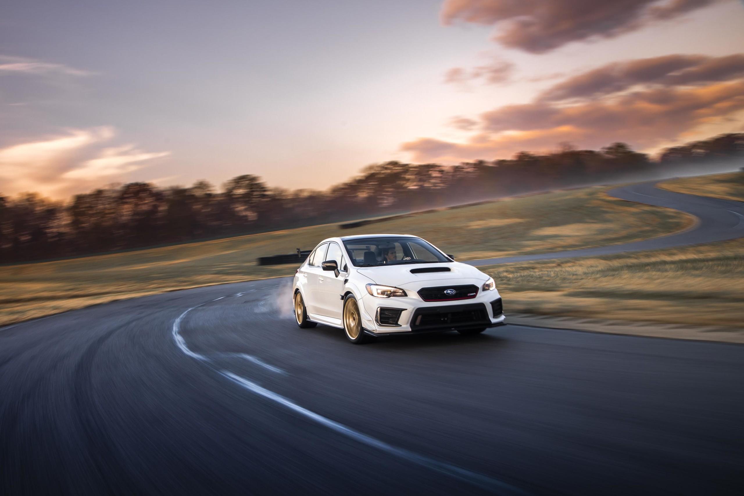 Foto de Subaru STI S209 (1/16)