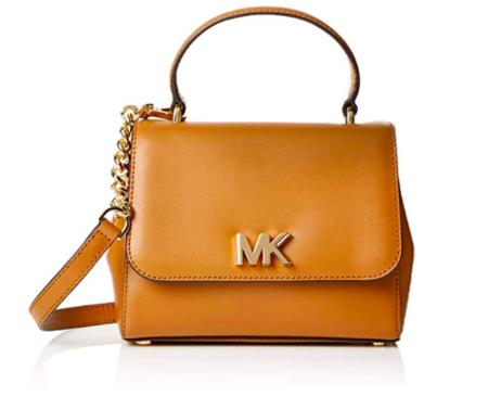 1831fcac4 La firma americana Michael Kors es célebre por sus bolsos estilo  minimalista y atemporales, por lo que comprar en rebajas uno de sus  accesorios es una ...