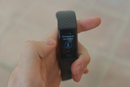 Fitbit Charge 4 14