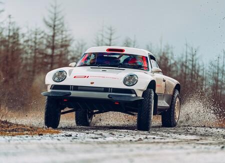 Un Porsche 911 listo para enfrentarse a los caminos más rudos y carreras exigentes